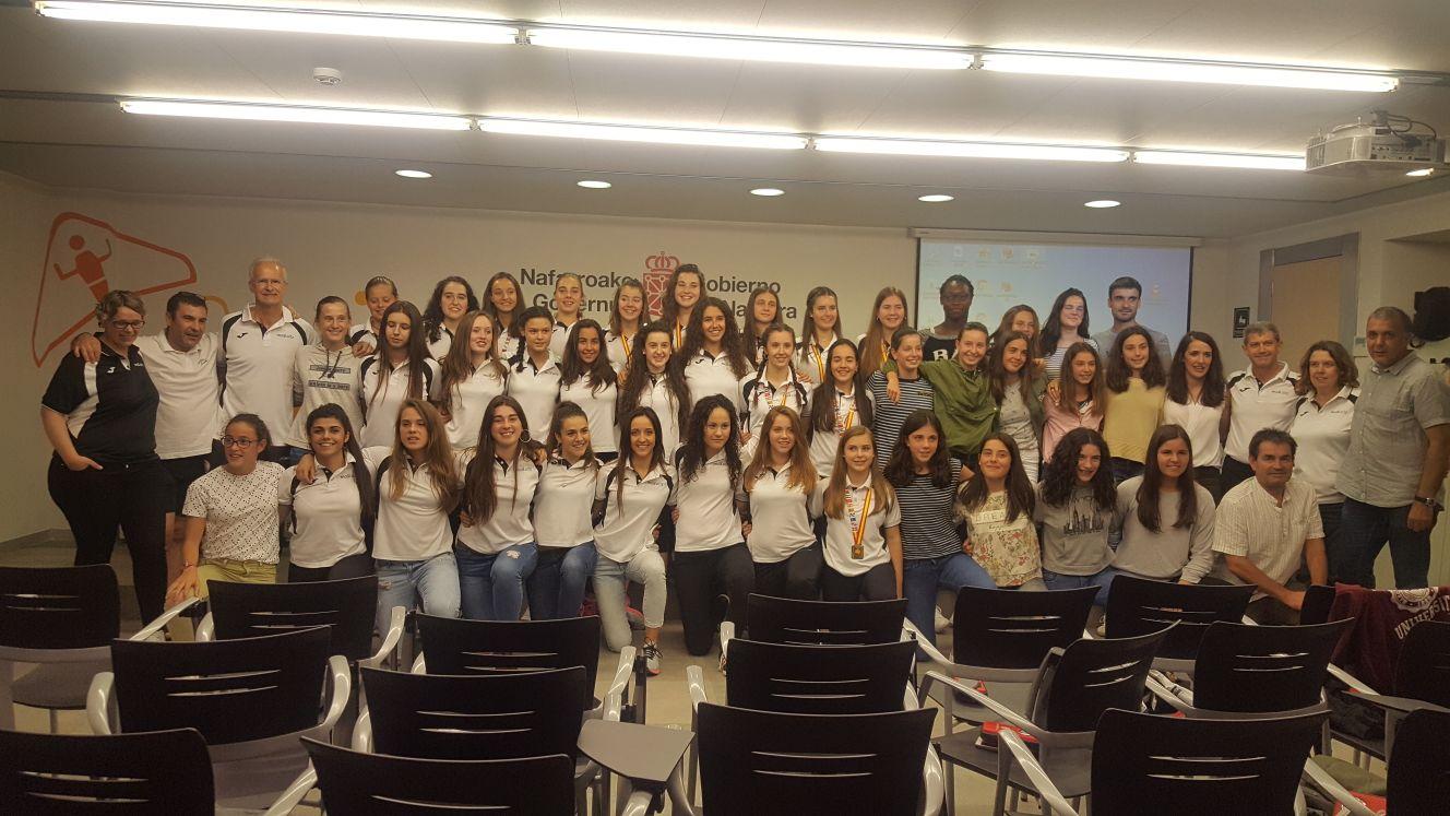 Homenaje de la FN Balonmano y el Dpto. Deporte y Juventud del Gobierno de Navarra